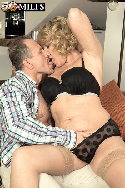 A British MILFs first time