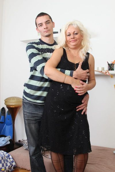 This mature slut loves sucking and fucking