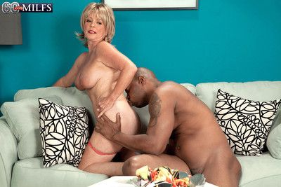 White mature woman sucking black cock