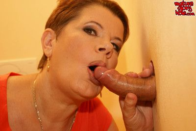 This mature toilet slut gets what she wants.. cum on her face