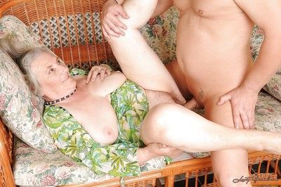 Lascivious granny gets her unshaven gloryhole slammed hardcore