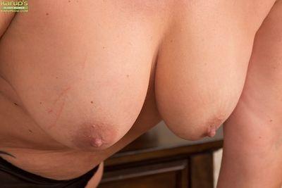 Mature Goldee Monroe is touching her little hot snatch on cam