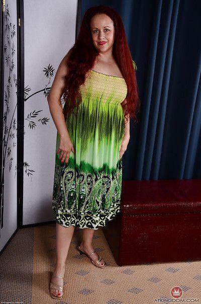 Natural redhead fatty Laila revealing big mature ass and boobs