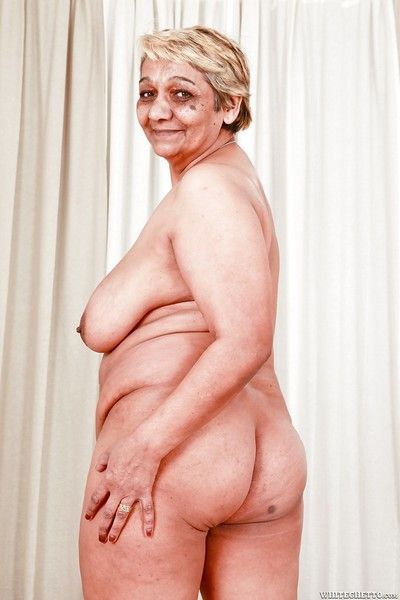 Fat granny with large saggy tits sporting creampie after hardcore fuck