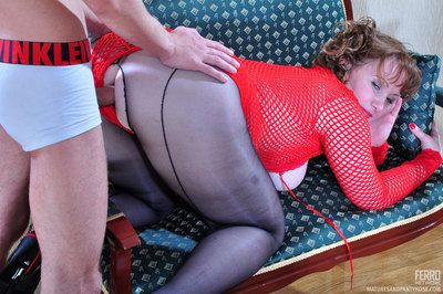 Ripe-bodied mom gets her sexy seamed pantyhose showered in cum after a fuck