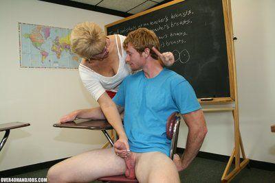 Mature Handjob from Hottie Wife Tracy