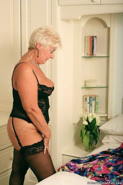 Chubby grandma sandie in black stockings