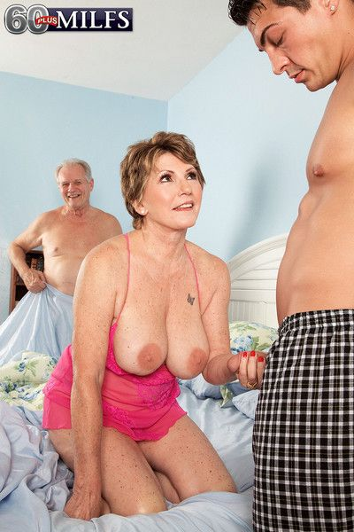 Busty mature bea cummins cheating in cuckold action