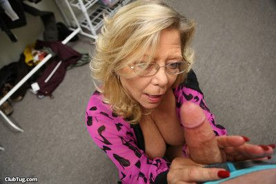 Busty hot mature karen summer milking stiff dick