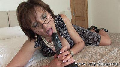 Milf lady sonia with a big black dildo