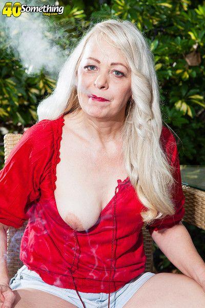 Smoking hot granny lady