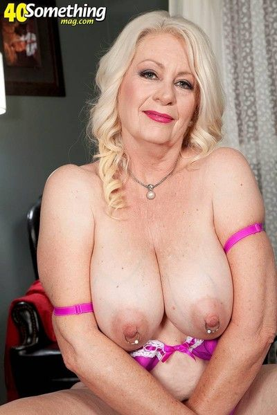 Horny milf lady in sexy lingerie