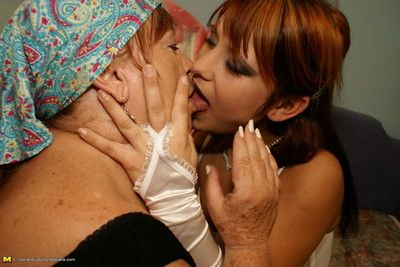 This hot babe gets licked by her mature