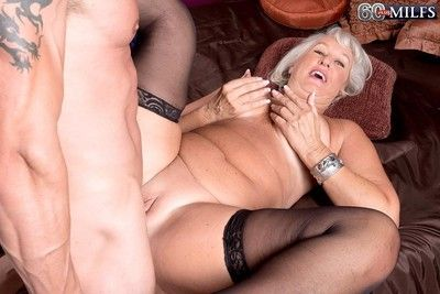 Granny jeannie loves to feel stiff dick deep in her ass