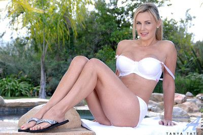 Anilos cougar tanya tate takes off her bra and panties outdoors next to the pool