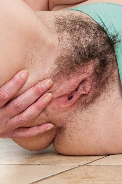 Hairy woman veronica snow playing in the kitchen