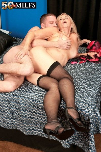 Horny blonde mature annabelle brady riding younger cock