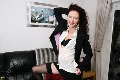 This hot british housewife loves to please herself