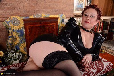 Kinky american housewife playing with herself