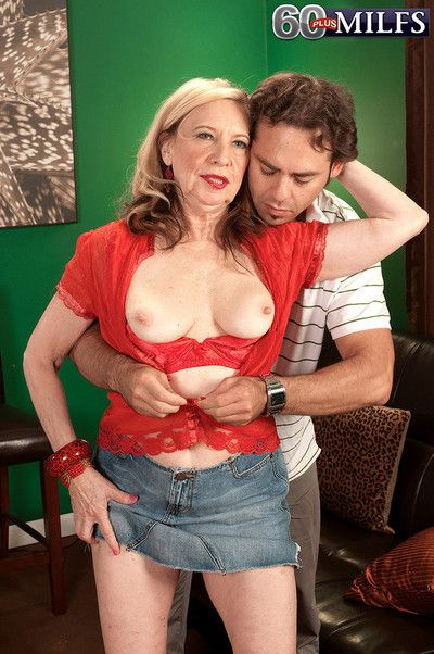 Sexy blond grandma miranda torri doing a young dick
