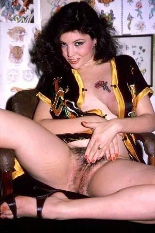Hairy vintage babe kandi barbour fucked in threesome