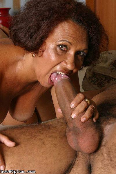 Mature latina granny gets fucked