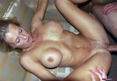 Amateur wifes spreading their wet pussies