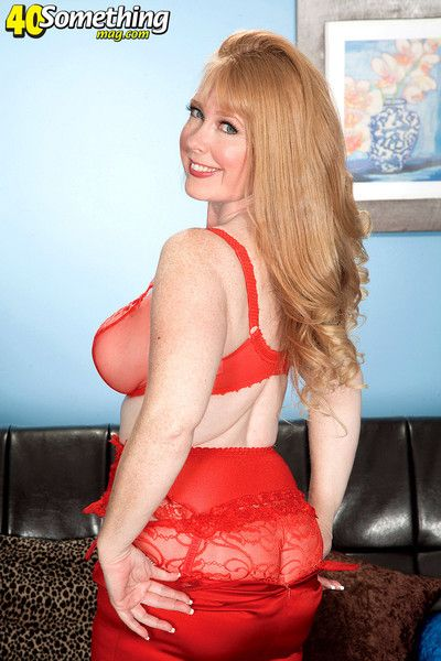 Redhead mature lady in sexy red stocking