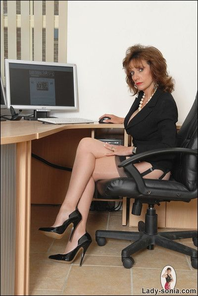 Office boss brunette milf lady sonia in nylons
