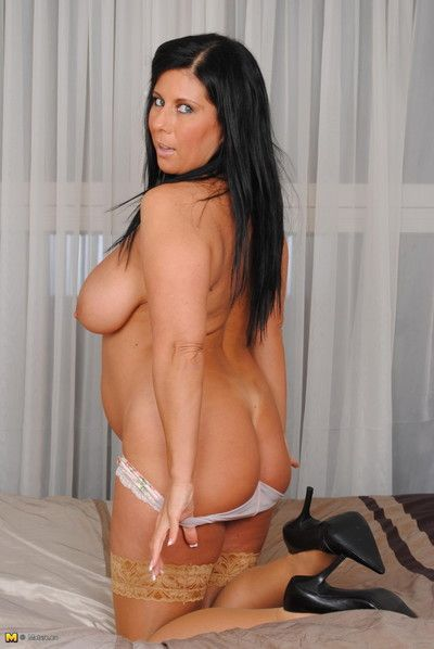 Full body milf with lovely boobs