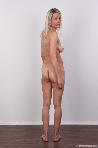 Mature amateur wife poses nude
