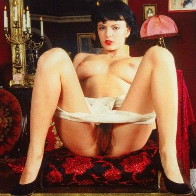 Vintage chick julia perrin shows her hairy bush
