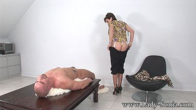 Oiled big tits milf lady sonia giving handjob