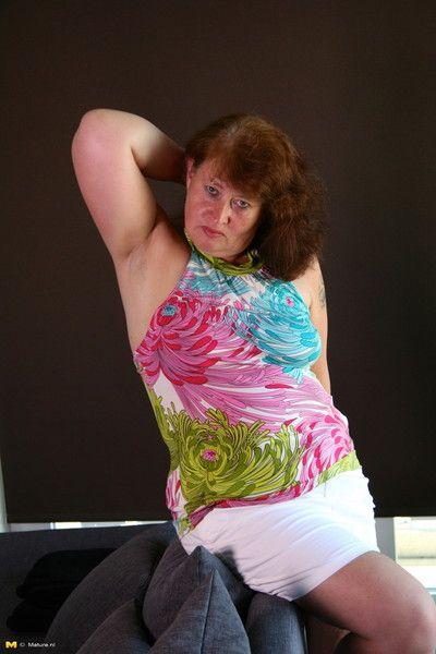 Chunky dutch housewife feeling naughty