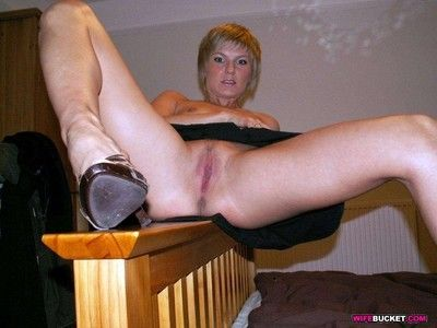 Sex pics of amateur swingers