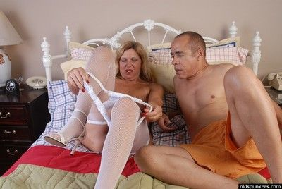 Older woman Xena gets her bald granny cunt with with sticky cum