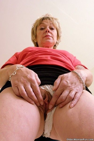 Grandma Is Showing Off Wonderful Striptease Pichunter Pussyspace 1