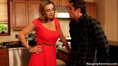 Tanya tate is a cougar on the hunt for man meat