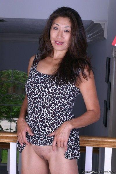 Asian grandma tomoko goes pantyless today