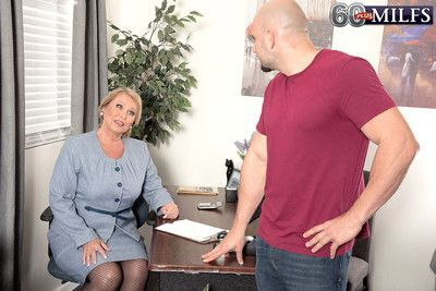 Matures creampie by younger coworker