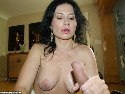 Mature babe Tatiana give jack and jerk job