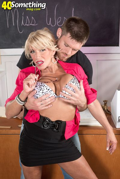 Step Right Up And Watch Gina West Fuck