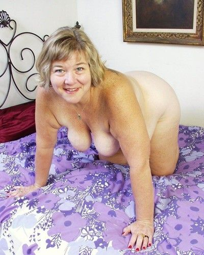 Chubby granny toying her old pussy