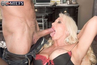 Awesome cock craving milf madison having some fun