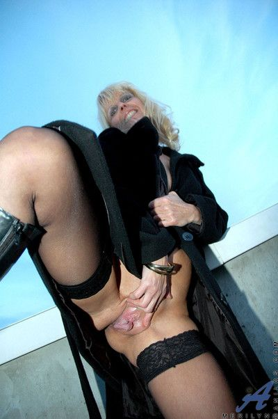 Anilos milf merilyn is quite the exhibitionist as she flashes her well groomed s