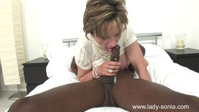 Milf lady sonia milking a huge black bull cock