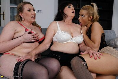 One horny babe doing two lesbian housewives