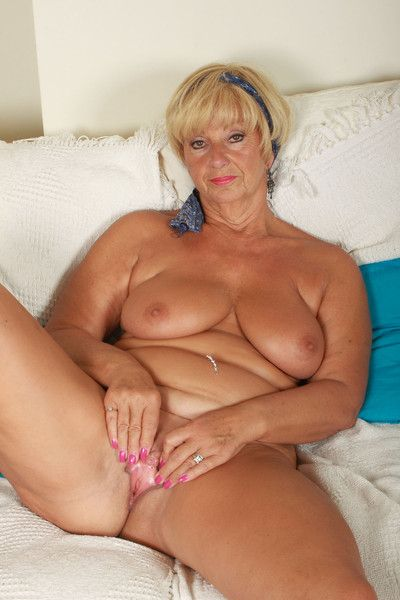 Voluptuous grandma samantha shows all