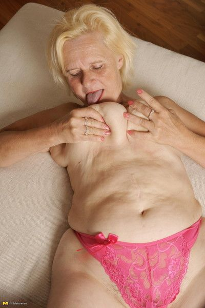Blonde mature slut loves to get naked and dirty