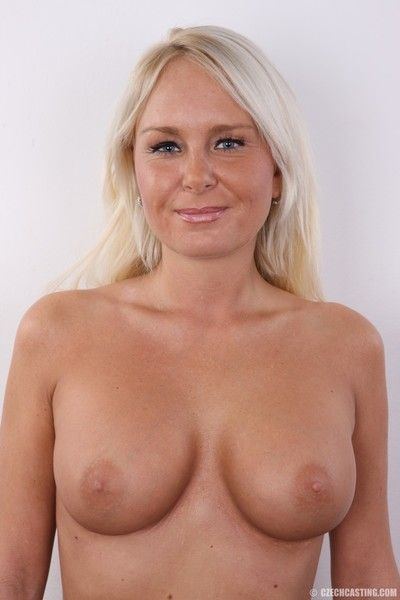 Blonde mature milf in casting session